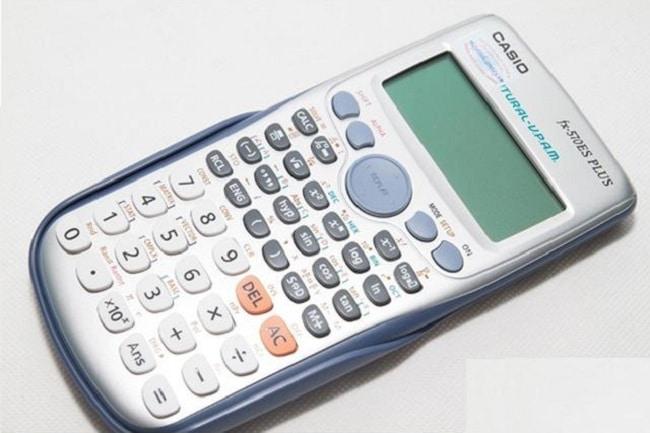 Top 3 máy tính casio tốt nhất dành cho học sinh, sinh viên: 570ES PLUS