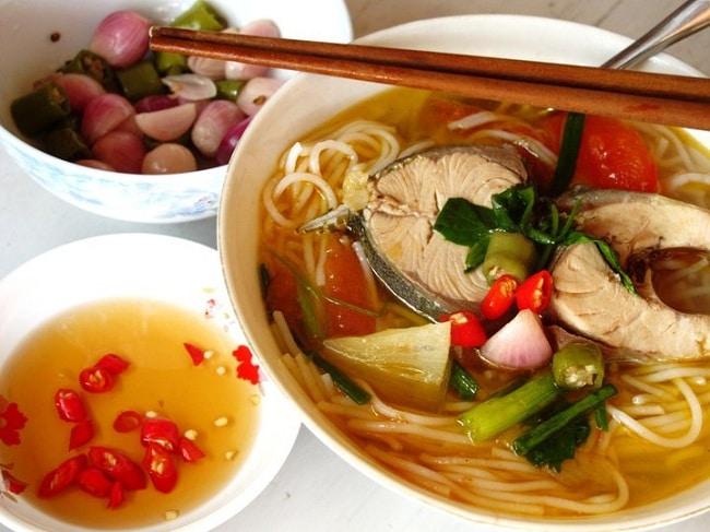 Những món thức ăn đặc sản Quảng Ngãi không thể nào bỏ qua: Bún cá ngừ um