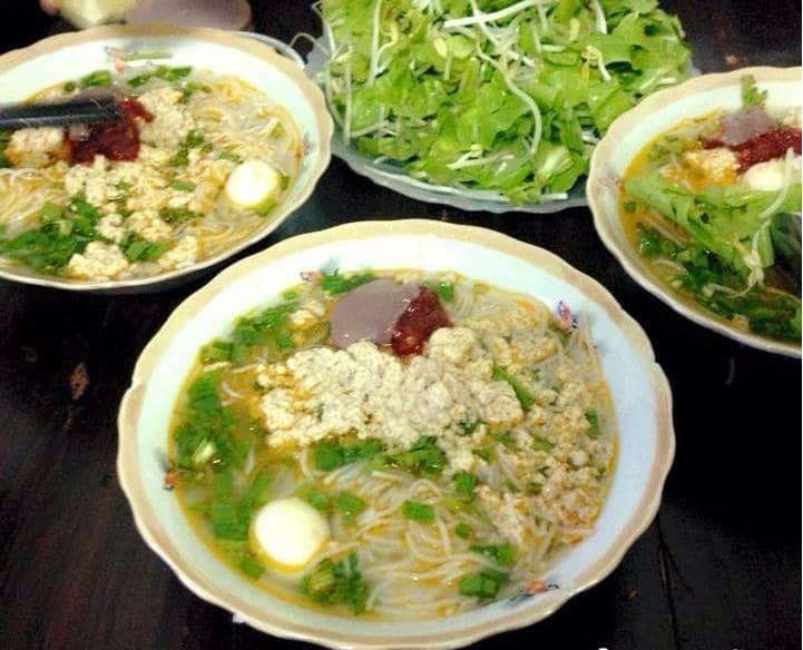 Những món thức ăn đặc sản Quảng Ngãi không thể nào bỏ qua: Bún riêu cua
