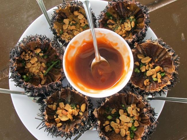 Những món ăn đặc sản Quảng Ngãi không thể bỏ qua: Nhum