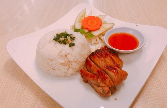 Quán cơm gà da giòn là Top Quán cơm gà ngon nhất ở TPHCM