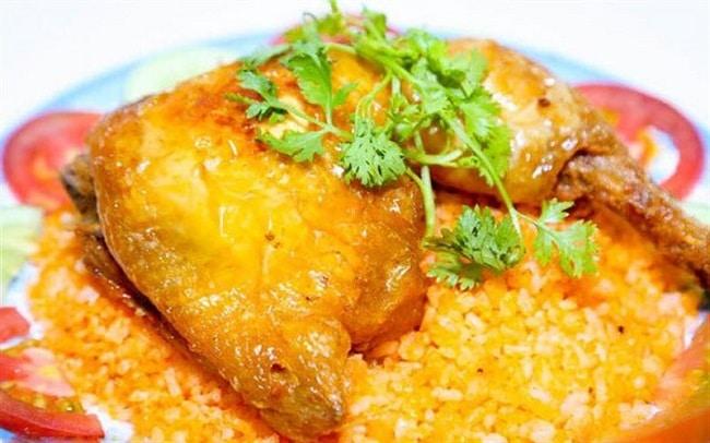 Quán cơm gà xối mỡ 142 là Top Quán cơm gà ngon nhất ở TPHCM