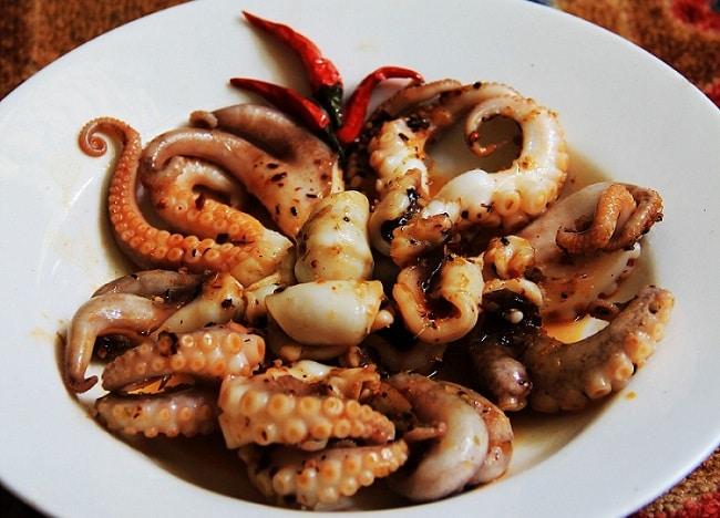Khám phá Top 10 món ẩm thực Hạ Long hấp dẫn vô cùng - ruốc lỗ xào sa tế