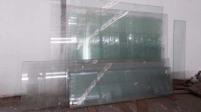 Thu mua kính cường lực cũ TPHCM - Lê Gia