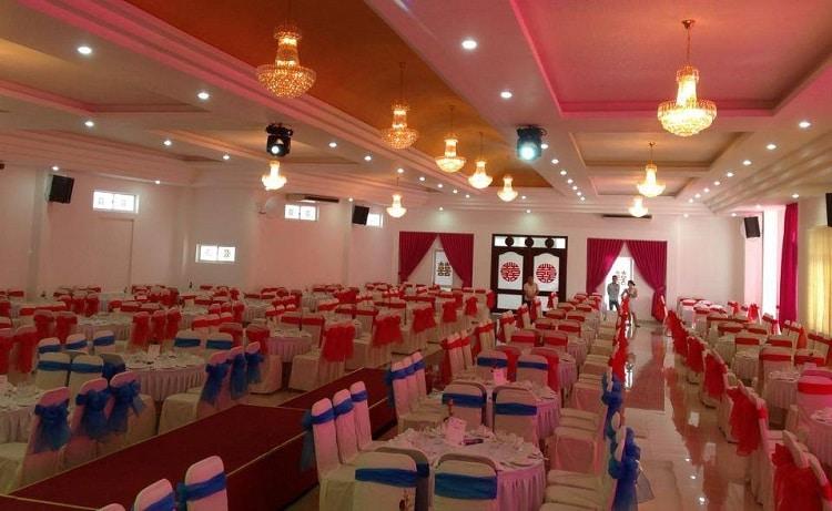 top 10 Nhà hàng tổ chức tiệc cưới nổi tiếng nhất ở Huế - hoa hồng