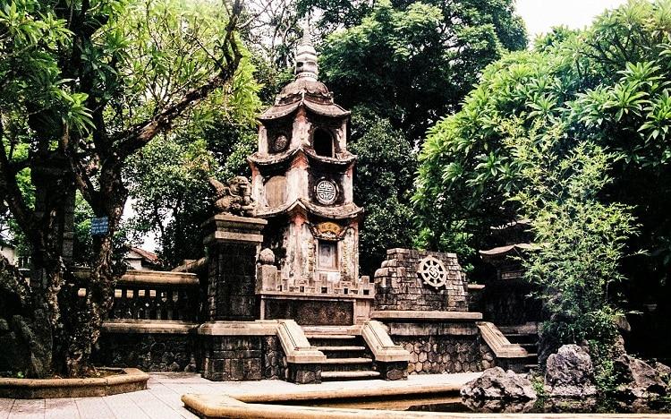 top cảnh quan ngôi chùa đẹp nhất huế mang tính tâm linh lịch sử - chùa báo quốc