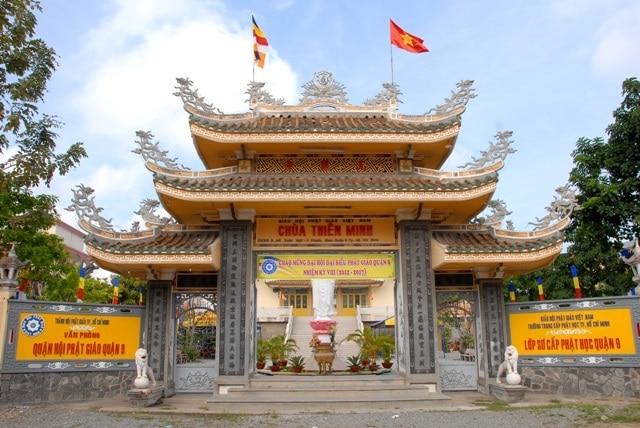 top cảnh quan ngôi chùa đẹp nhất huế mang tính tâm linh lịch sử - chùa thiên minh