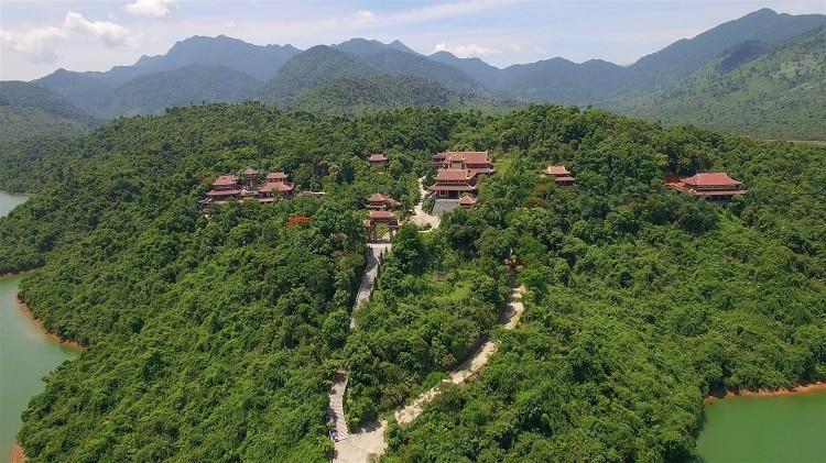 top cảnh quan ngôi chùa đẹp nhất huế mang tính tâm linh lịch sử - chùa thiền viện trúc lâm bạch mã