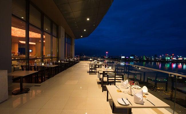 Novotel Premiere Han River Restaurant