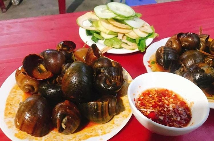 Top 10 món ăn vặt ngon nhất ở Huế - ốc