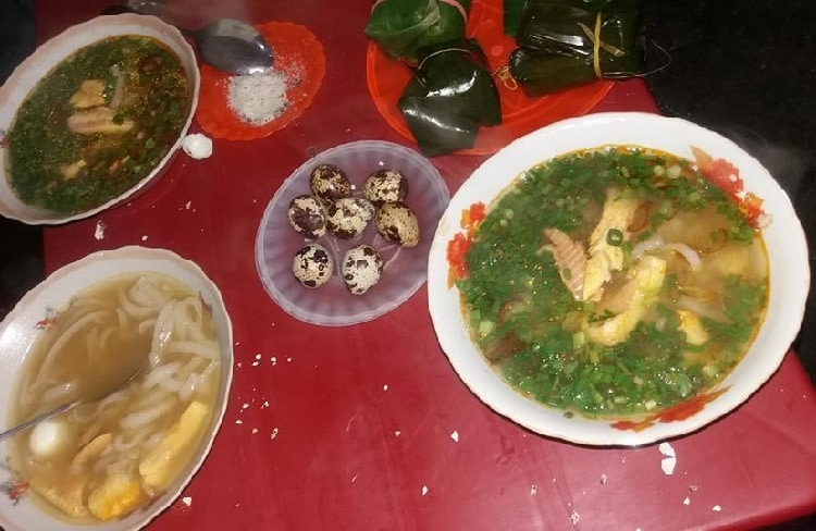 Top 5 quán bánh canh cá lóc ngon nhất tại Huế -  Dì Hương