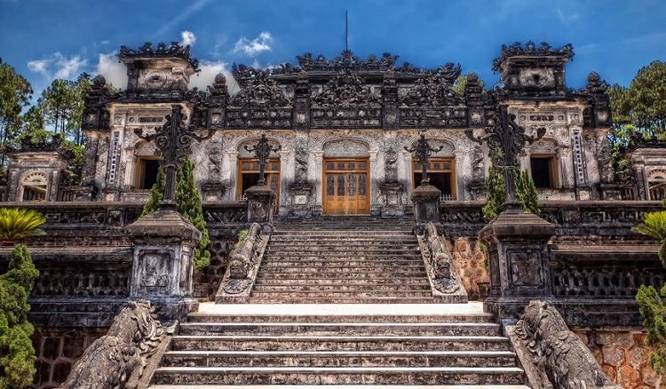 Top 7 địa điểm du lịch nổi tiếng tại Huế - Lăng Khải Định