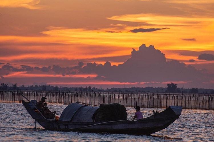 Top 7 địa điểm du lịch nổi tiếng tại Huế - Đầm phá tam giang