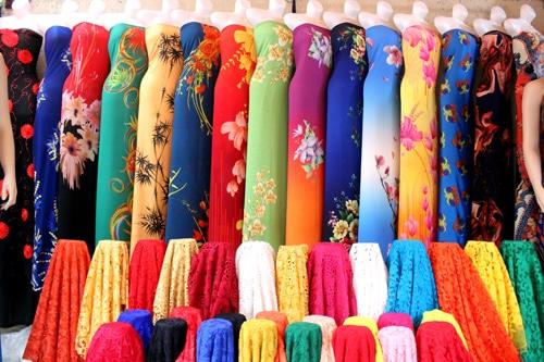 Top địa chỉ mua vải và may áo dai đẹp nhất Huế - Bích Thủy