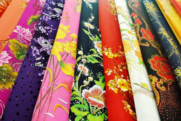 Top địa chỉ mua vải và may áo dai đẹp nhất Huế - Hùng