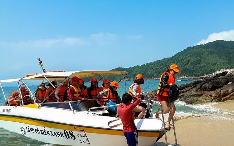Top 10 địa điểm vui choi cuôi tuần đầy ý nghĩa tại Huế - Đảo Sơn Chà