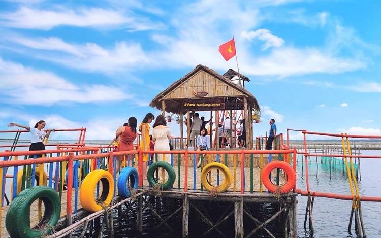 Top 10 địa điểm vui choi cuôi tuần đầy ý nghĩa tại Huế - Epark Tam Giang Lagoon