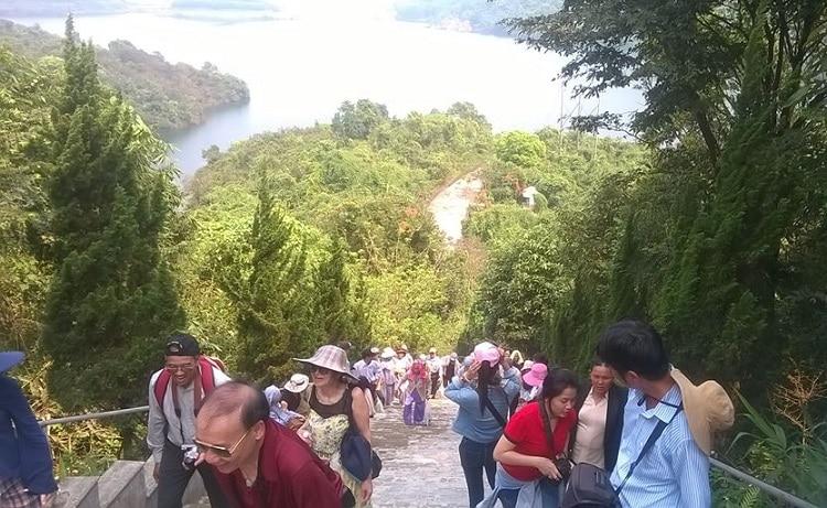 Top 10 địa điểm vui choi cuôi tuần đầy ý nghĩa tại Huế - Thiền Viện Trúc Lâm