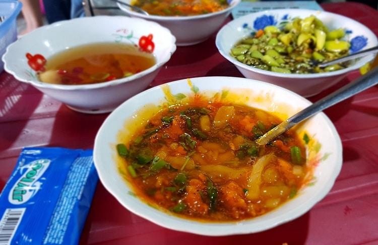 Top 10 quán ăn ngon lâu đời và nổi tiếng nhất ở Huế - Bánh canh nam phổ