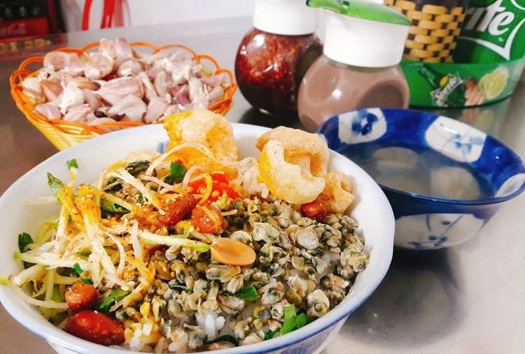 Top 10 quán ăn ngon lâu đời và nổi tiếng nhất ở Huế - Cơm Hến