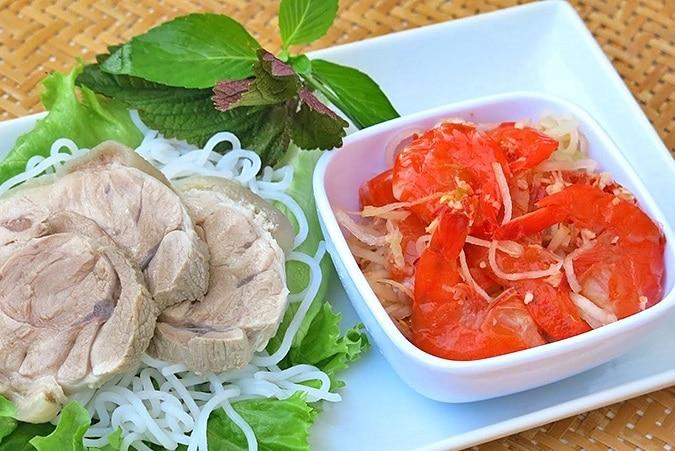 Top 10 thương hiệu quà huế nổi tiếng nhất Huế - Tôm Chua