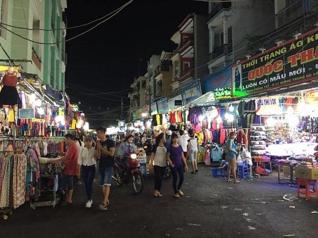 Chợ đêm Hạnh Thông Tây là Top 8 Chợ đêm nổi tiếng nhất ở TP. Hồ Chí Minh