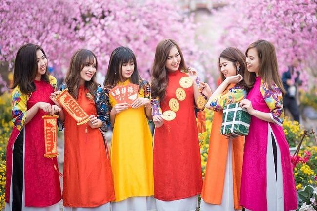 Bông Sen là Top 10 Cửa hàng cho thuê trang phục biểu diễn giá rẻ uy tín nhất tại TP. Hồ Chí Minh