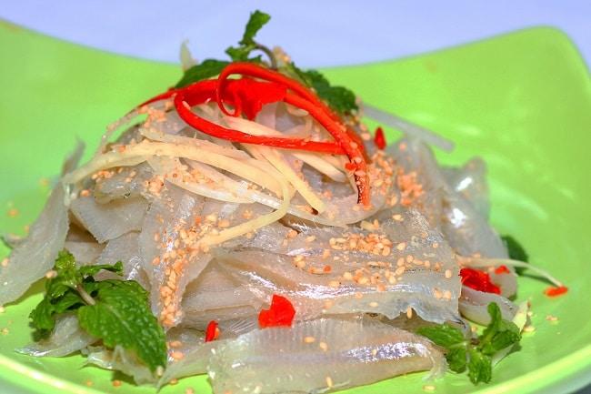 Gỏi cá mai là Top 10 đặc sản Bình Thuận hấp dẫn khó quên mà bạn không thể bỏ qua