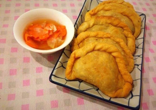 Bánh quai vạc là Top 10 đặc sản Bình Thuận hấp dẫn khó quên mà bạn không thể bỏ qua