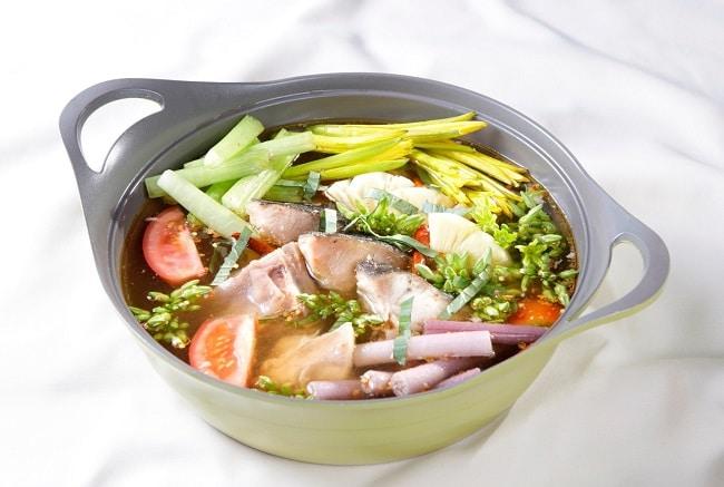 Lẩu cá bớp là Top 10 đặc sản Bình Thuận hấp dẫn khó quên mà bạn không thể bỏ qua