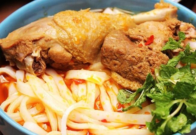 Mì quảng Phan Thiết là Top 10 đặc sản Bình Thuận hấp dẫn khó quên mà bạn không thể bỏ qua