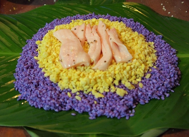 Cần Thơ gây thương nhớ với 10 món đặc sản ngon chính hiệu - bánh tét lá cẩm