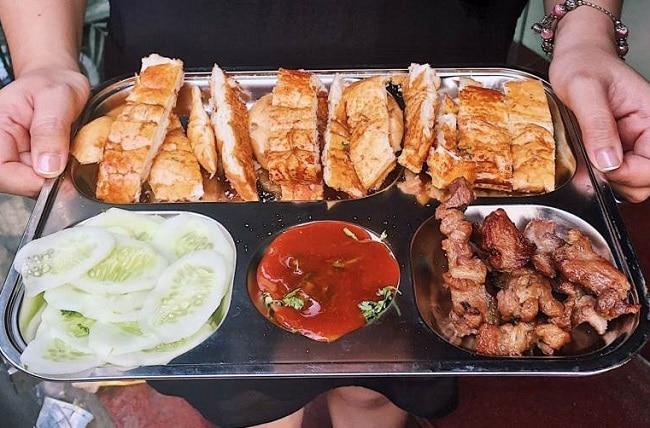 Bật mí Top 10 đặc sản ẩm thực Lạng Sơn vô cùng hấp dẫn: Bánh mì nướng