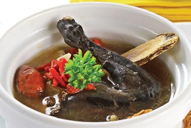 Gà đen là Top 10 đặc sản Lào Cai thưởng thức một lần nhớ mãi