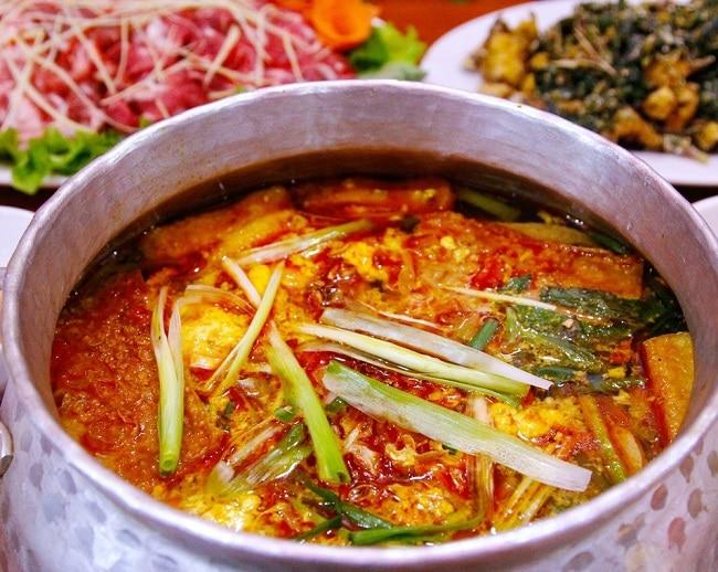 Lò Gạch Quán là Top 10 Nhà hàng chất lượng nhất ở Quận Gò Vấp, TP. Hồ Chí Minh