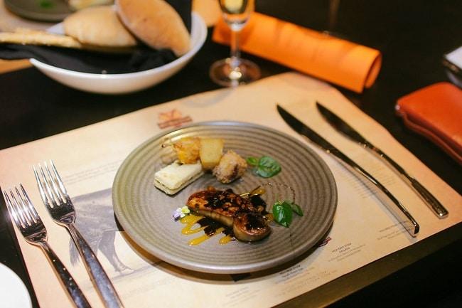 Moo Beef Steak  là Top 10 Nhà hàng ngon nhất ở Quận 7 - TP. Hồ Chí Minh