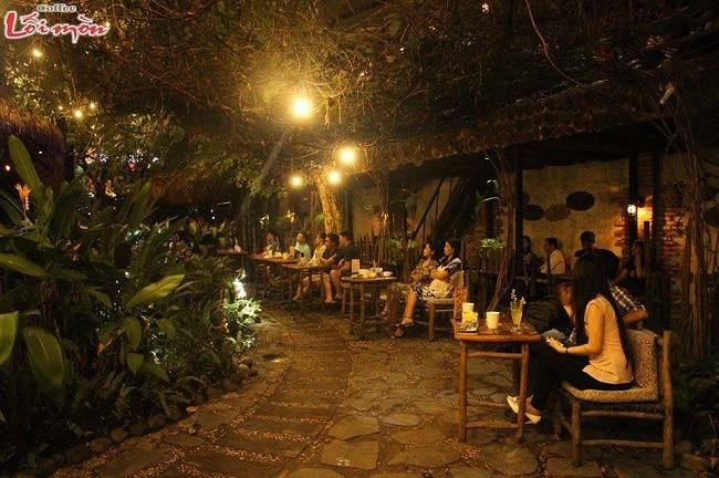 Lối Mòn cafe là Top 8 Quán cafe đẹp nhất quận 7, TPHCM