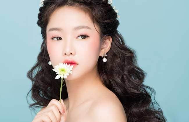 Make Up Hạ Thiên là Top 10 Tiệm trang điểm cô dâu đẹp nhất tại TP. Hồ Chí Minh