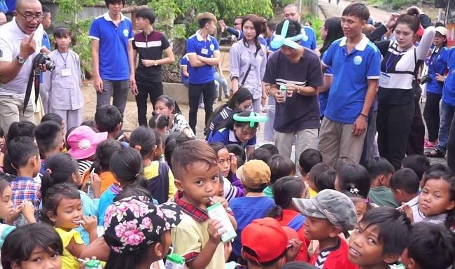 Tổ chức từ thiện Hoa Từ bi là Top 10 Tổ chức từ thiện nổi tiếng tại TPHCM