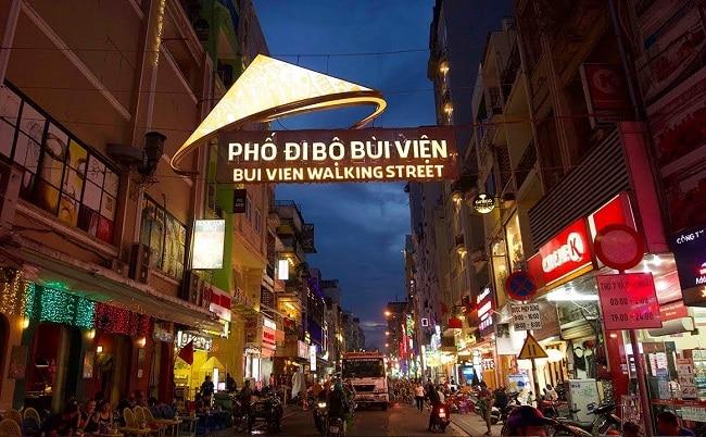 Phố Tây Bùi Viện là Top 10 địa điểm chơi Tết hấp dẫn nhất tại TP. Hồ Chí Minh