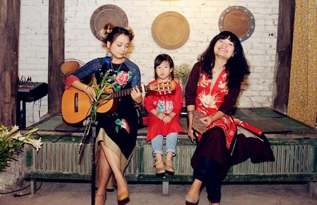 Tiem Huu la la là Top 6 Shop bán váy áo thêu hoa đẹp nhất ở TP. Hồ Chí Minh