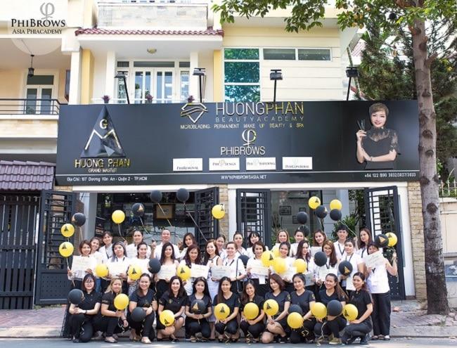Huong Phan Beauty Academy là Top 10 trường dạy học điêu khắc lông mày, chân mày tốt nhất tphcm