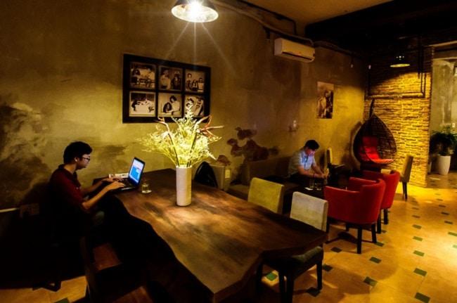 Monkey in Black Café là Top 10 địa điểm ăn uống trên đường Sư Vạn Hạnh - Q.10 - TP. Hồ Chí Minh