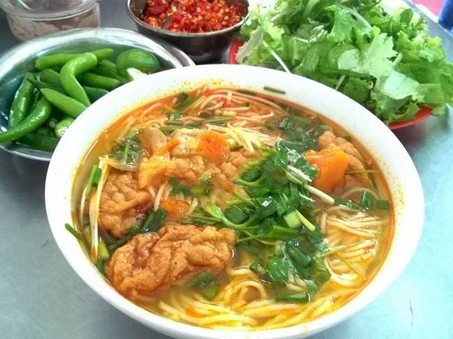 Quán bún bò, bún chả cá Xuân Mai là Top 10 Địa điểm ăn uống hấp dẫn tại quận Bình Tân, TP. Hồ Chí Minh