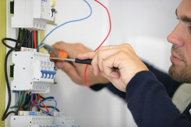 Đình Biên là Top 10 Dịch vụ sửa chữa điện nước tại nhà tốt nhất tại TP. HCM