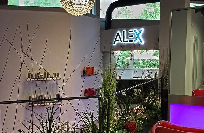 Alex Salon là Top 10 Hair salon nhuộm tóc đẹp nhất TPHCM
