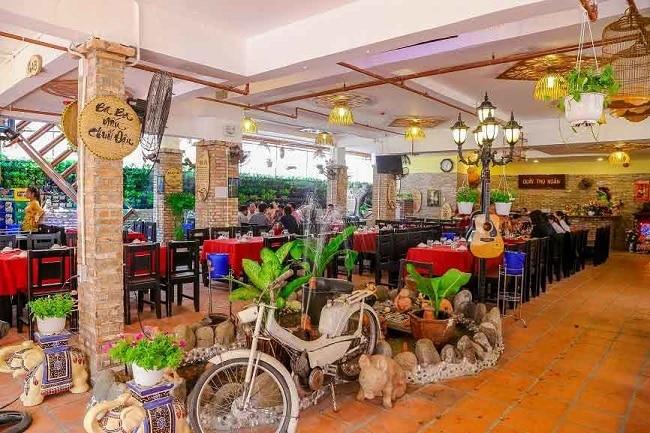 Quê Nhà là Top 10 Quán nhậu ngon, nổi tiếng nhất TP. Hồ Chí Minh