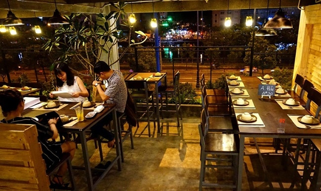 Quán Mộc - Riêu & Nướng là Top 10 Quán nhậu ngon, nổi tiếng nhất TP. Hồ Chí Minh