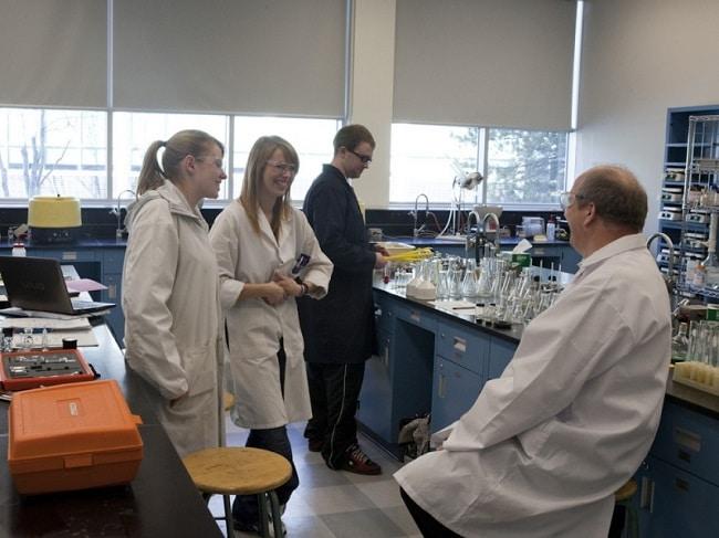 Chi nhánh Công ty cổ phần Hóa chất và Vật tư Khoa học Kỹ thuật là Top 10 Cửa hàng bán dụng cụ thí nghiệm uy tín và chất lượng ở TPHCM