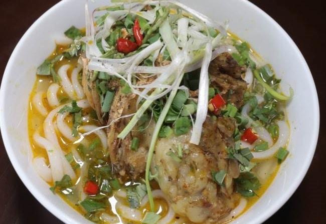 Bánh canh cá lóc Quảng Trị là Top 5 Địa chỉ bán bánh canh cá lóc ngon nhất TPHCM